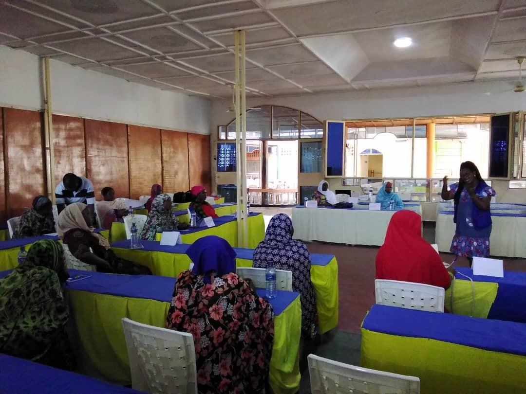 L'OIM organise des sessions de formation et d'échange d'informations sur les moyens de développer et de maintenir des activités génératrices de revenus, pour les victimes assistées de la traite des êtres humains.