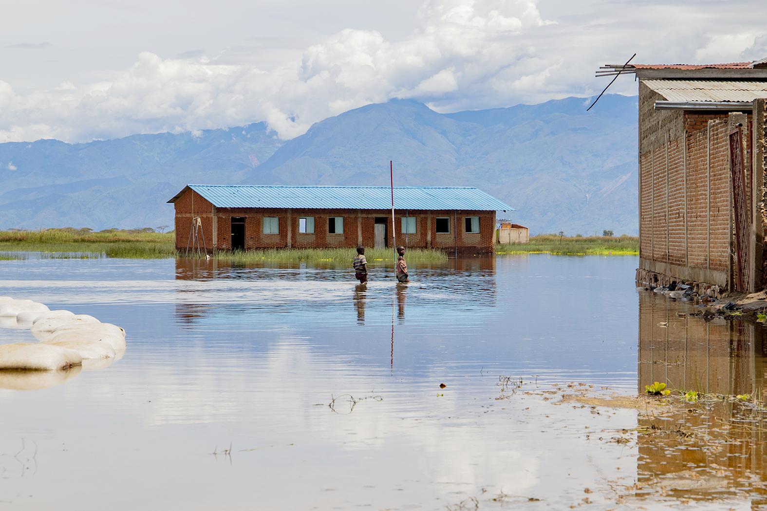L'OIM Burundi distribue une aide d'urgence aux familles affectées par les inondations
